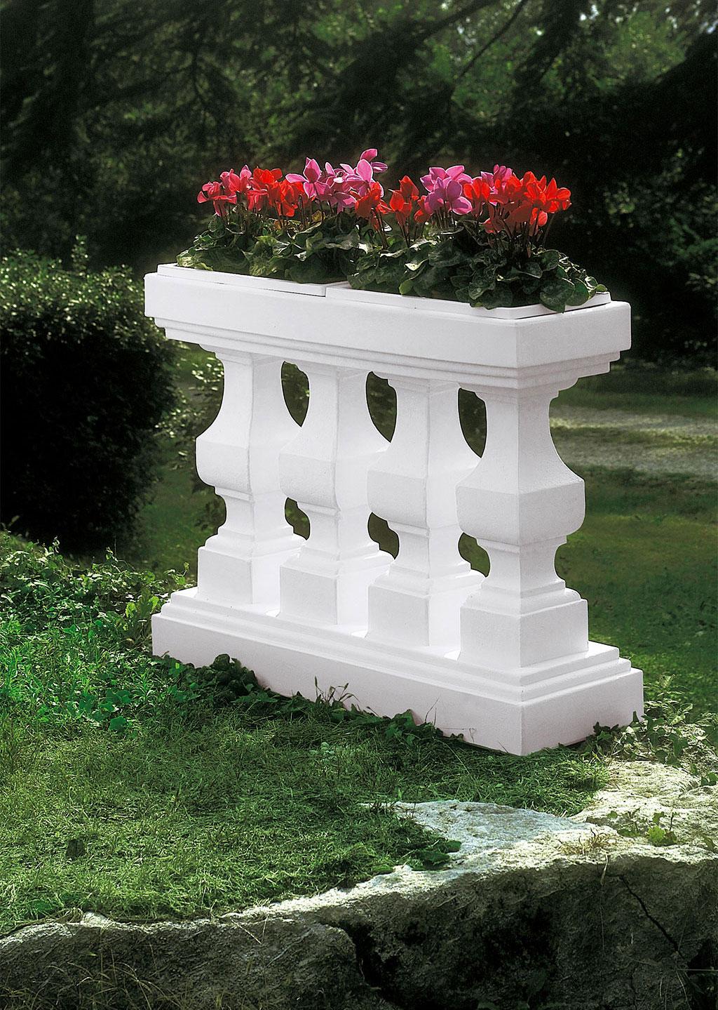 Balaustra per fiori euro3plast - Ringhiere per giardino ...