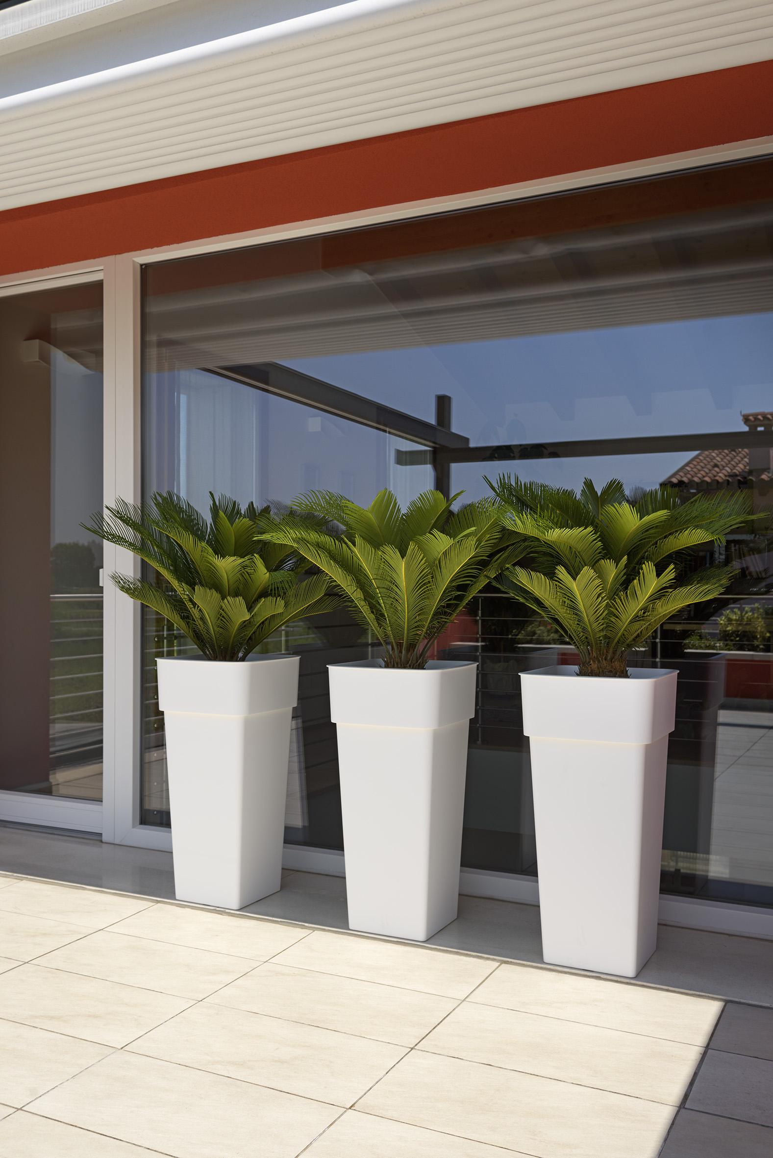 Jardineras con ruedas plantacin en maceta o jardinera de estilo por berilla srl en cuanto a - Jardineras con ruedas ...